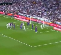 Real Madrid 2-3 Barcelona (Maç Özeti)